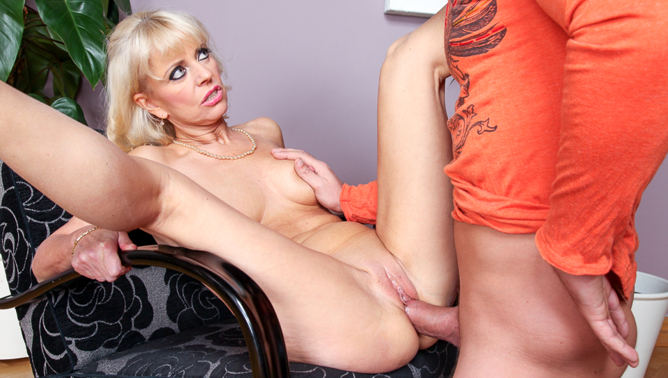 Merylin & Thomas in 8 Dirty Quickies #03 - MileHighMedia Sexy Lesbians from LivesquirtEUv