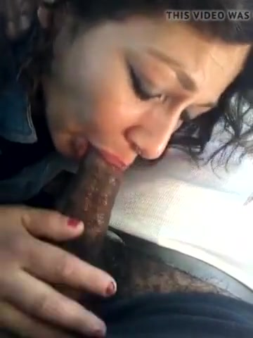 Slut deepthroats in car with cim Kissing a girls breast