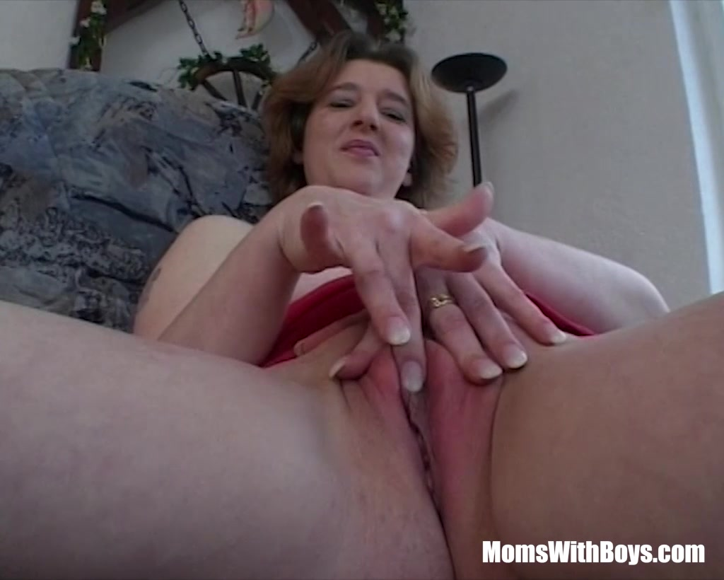 Lovely Mature Unable To Pay Rent Give A Private Show Chubby white blonde