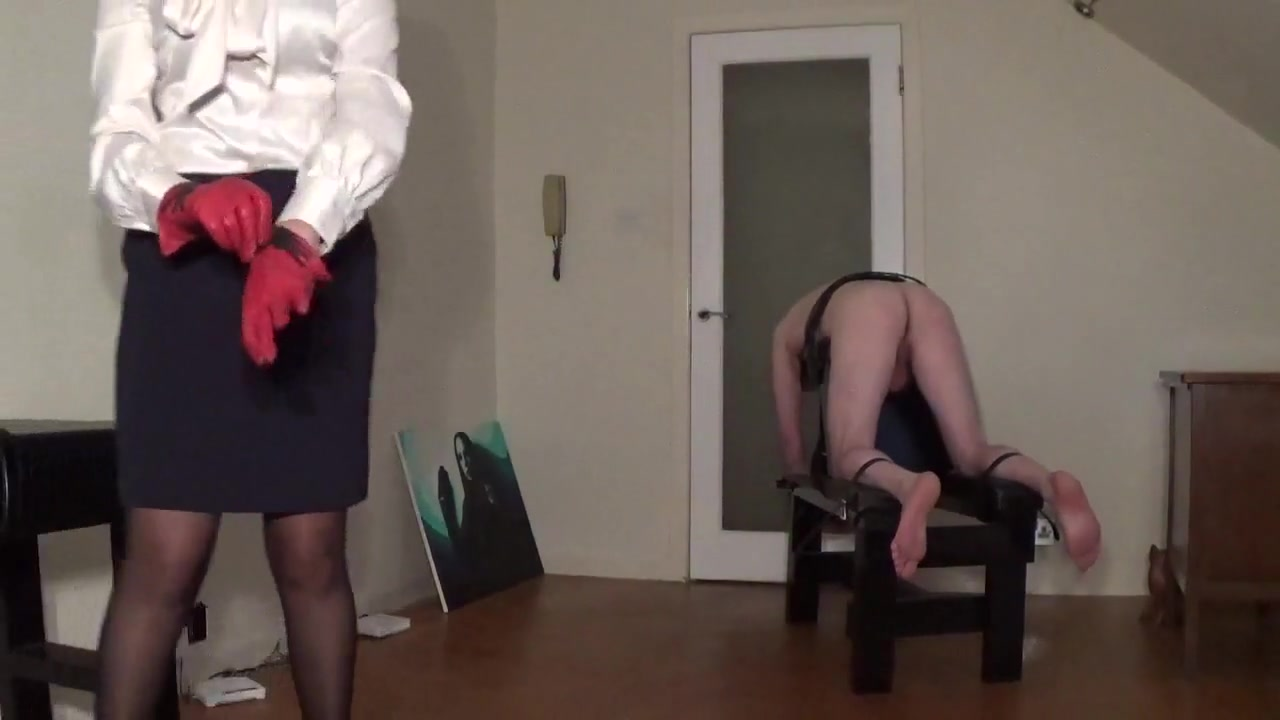 Miss sultrybelle administers 100 hard strokes. Girl next door sex gif