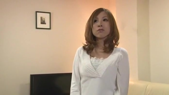 Hottest Japanese whore Yuria Sonoda in Crazy MILFs JAV video A song to sing to your girlfriend