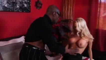 Hardcore - 5459 Lara Dutta Bikini Video