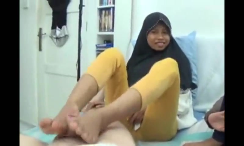 Asian college girl footjob Free adult porn movies