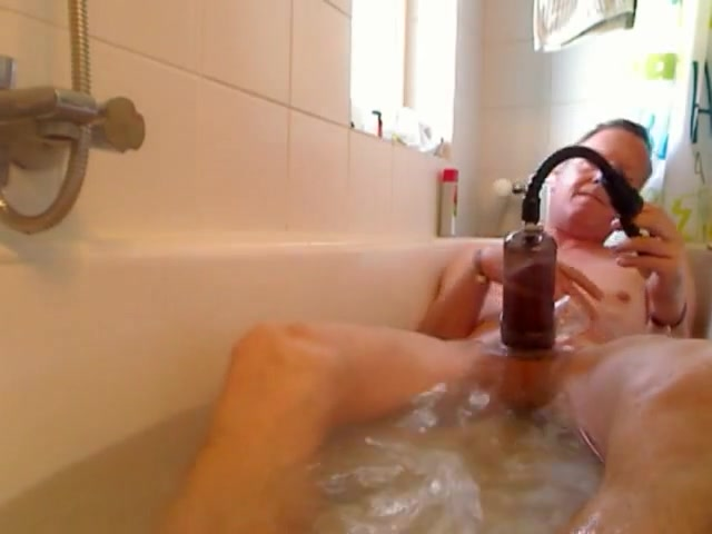 Pumping in the tub Free glory hole links
