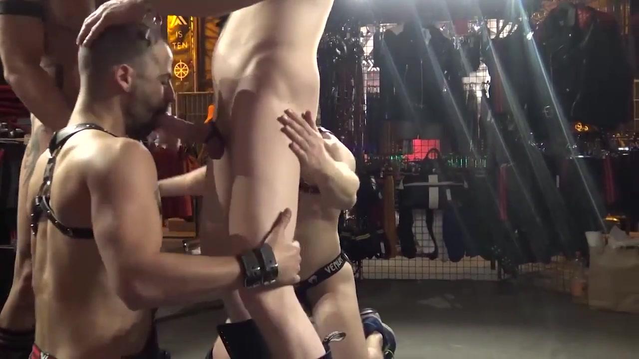 Gay porn ( new venyveras4 ) 11 Mature latina milf pics