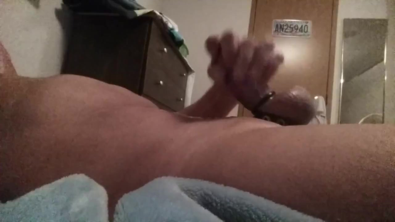 Hey guys stroke one with me cum with me Bang with friends app