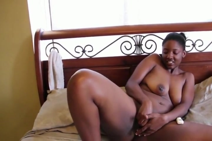 Extremely delicious black Lesbian rides strapon toy