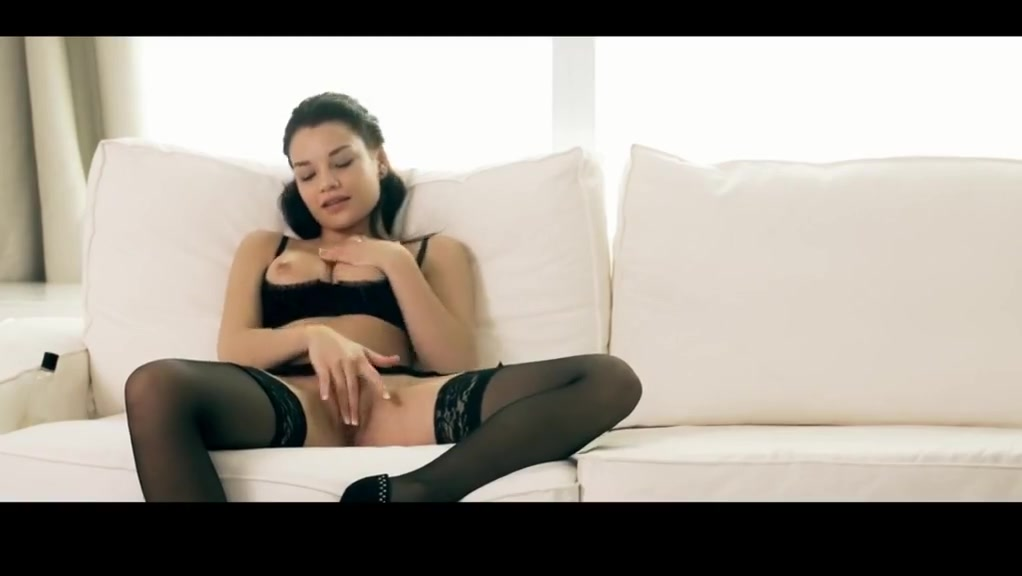 Allure 1 Kristi found her tits in time