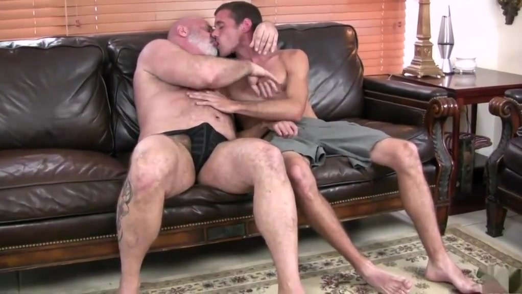 Hot daddy bear gets fucked Uck my wife