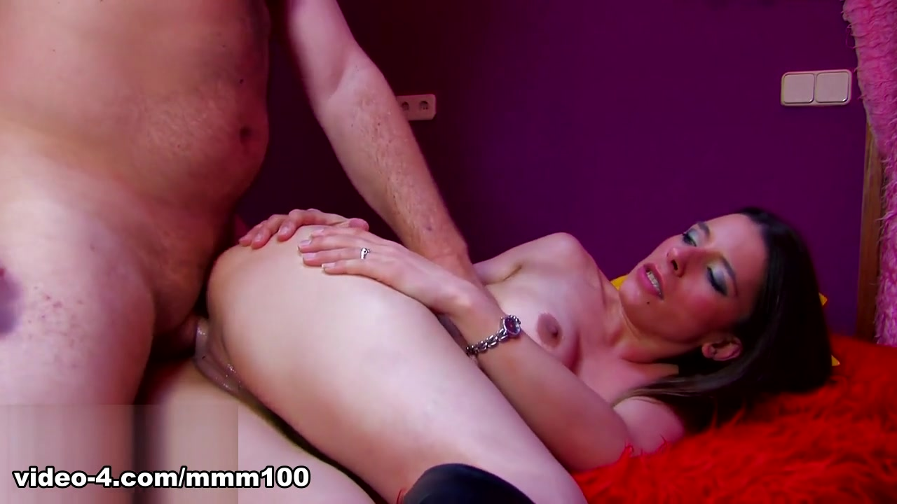 Amelie Jolie & Terry in Larry Bangs A Drunk Chick - MMM100 Pink bikini underwear