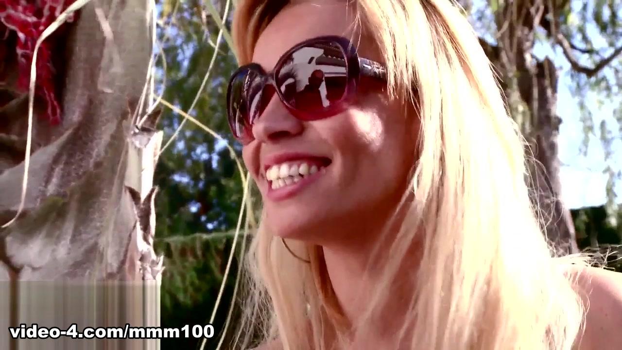 Anita in Interview Porno With Anita - MMM100 Blonde milf in the locker room