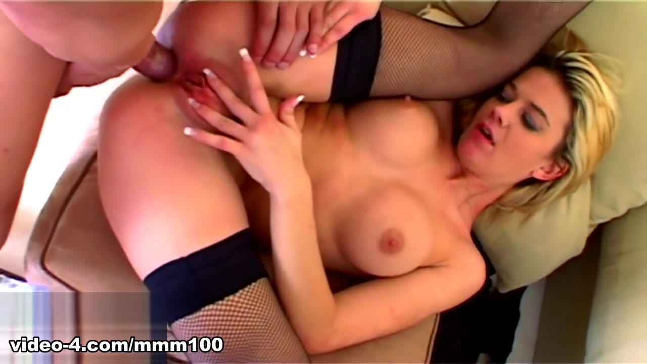 Chloe Delaure & Jorge in Chloe Needs A Cock - MMM100 fist in tight pussy