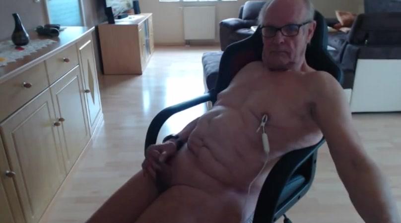 Nippel vibrator des images de tsunade et naruto sexe hentai