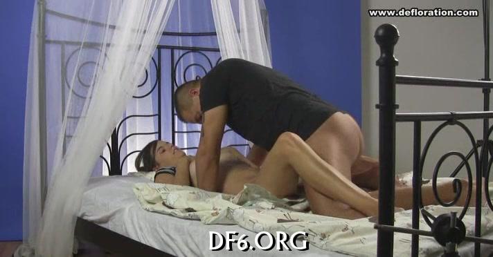 Big guy deflowers his gf girls who fuck donkeys