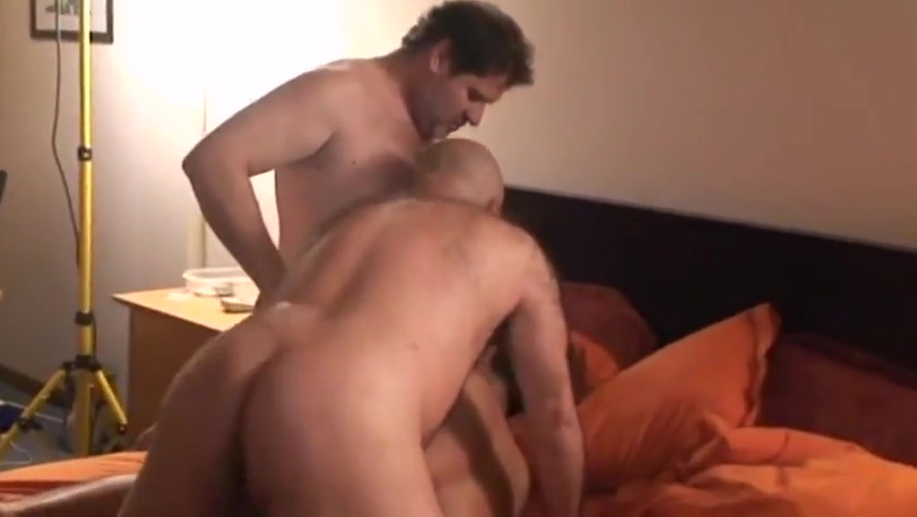 Gay porn ( new venyveras 5 ) 2 Big titted hentai babe gets licked and fucked