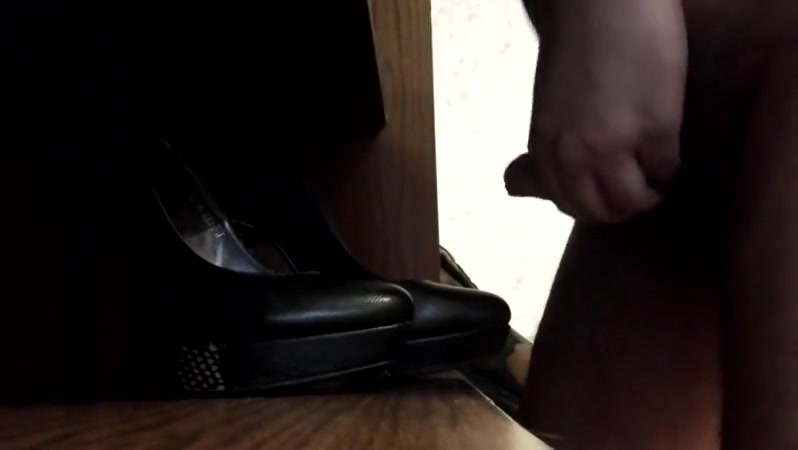 Cum on office shoes of girls ridind dick