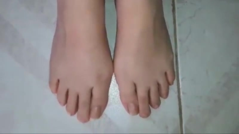 Despoina moves her sexy (size 39) feet the making of sex video