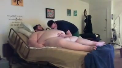 Play whit super chub Chick thrills hunk with her arousing oral job