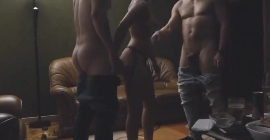 Trio sex au salon Free Mobile Porn Orgy