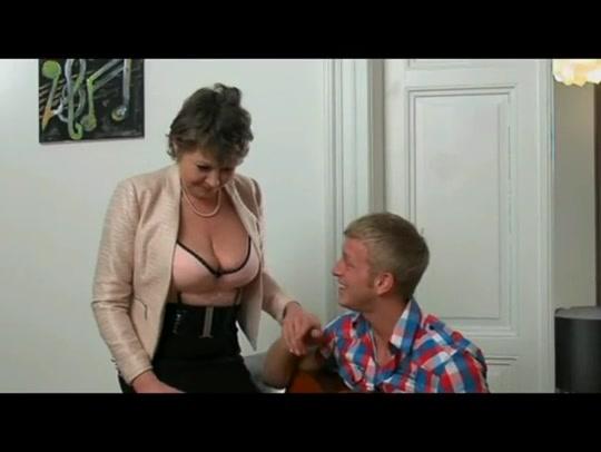 Horny Euro Granny hairy latina pussy fucking