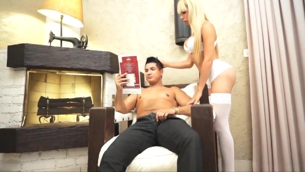 Shemale gets fucked photographer needed for swinger party