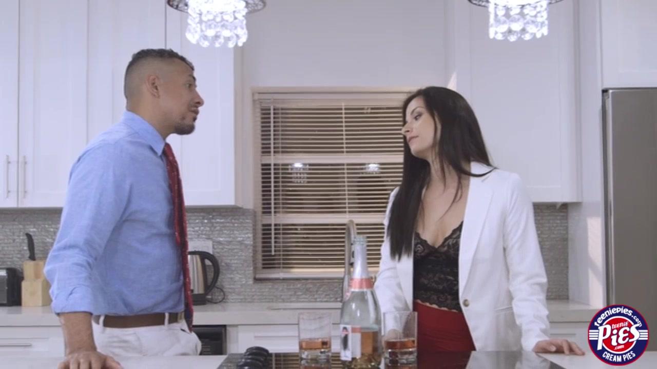 Sexy Alexis fucked her client hardcore Amateur lingerie show