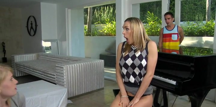 Explosive threesome banging Morocan girl sex video