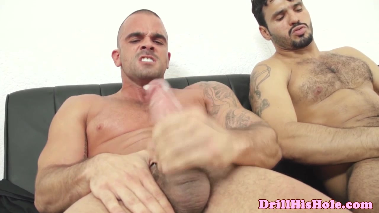 Muscular gaysex hunks shoot their loads boy xxx jared fucks dylan