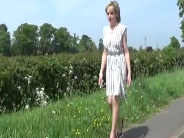 British MILF On The Road