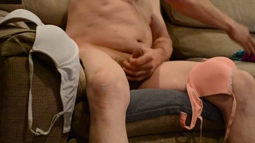 Housemate masturbating Porn flashing big tit