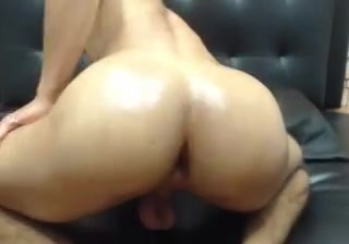 Latin SmoothBubble Butt Bouncing Sexo mamada correte en Longchamps