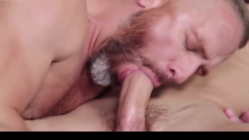 video 20 Bisexual girls kissing