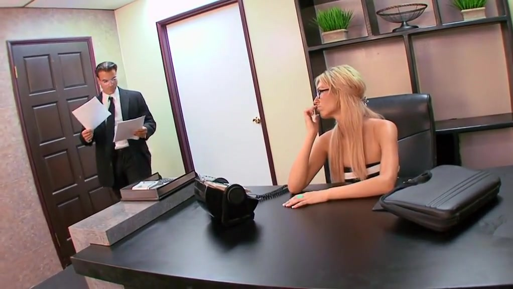 Sex in office with horny blonde Fat pussy bitches