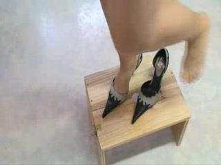 High heels torturing 10-Pounder xxx threesome mfm video