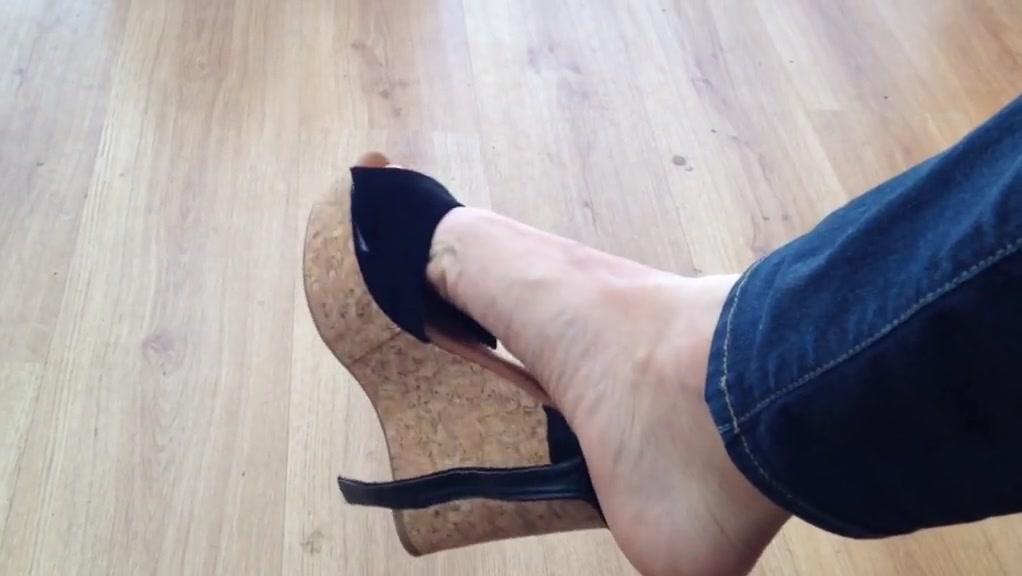 Shoe play and barefoot dangling Big tits n pussy pics