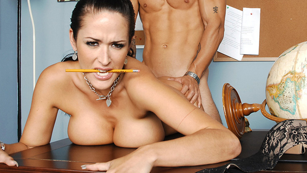 Carmella Bing & Alan Stafford in My First Sex Teacher Massagewereld