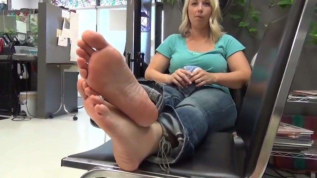 Bare foot foot model amateur