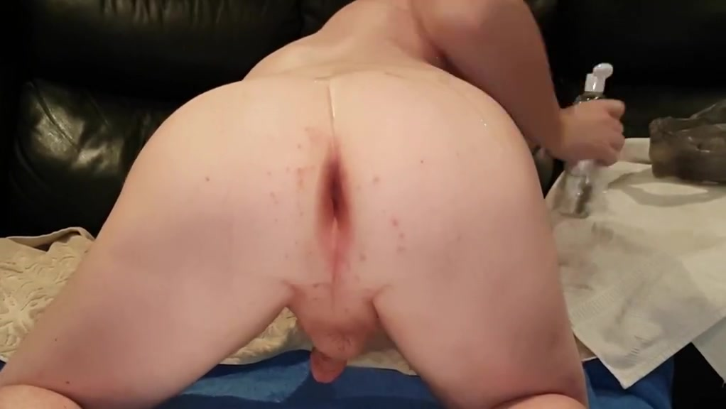 Jamiesroom dildo in shaved oiled ass Latin feels dating site