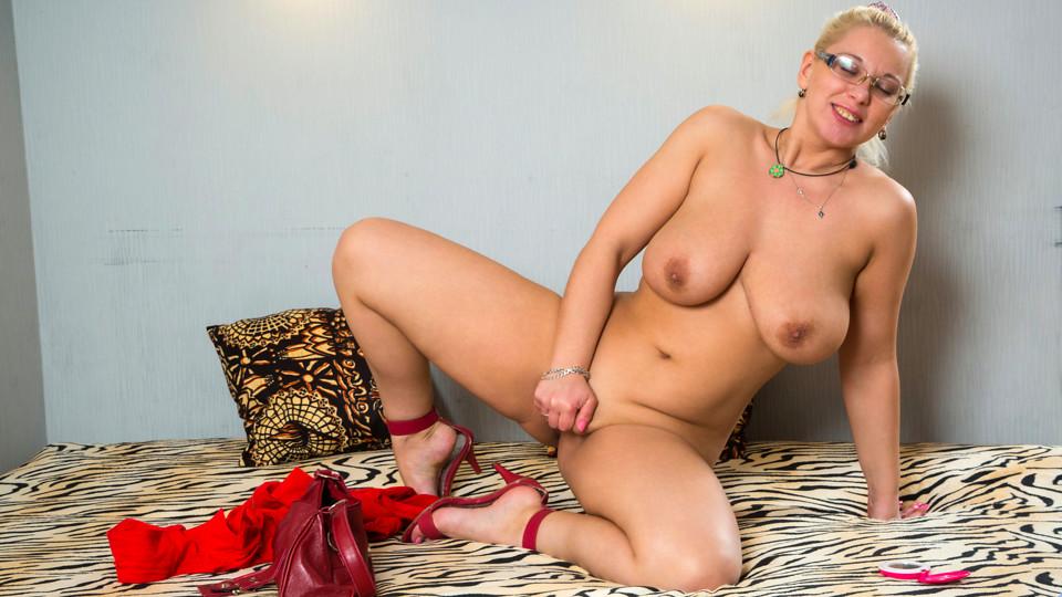Luba Love in Big Titties - Anilos