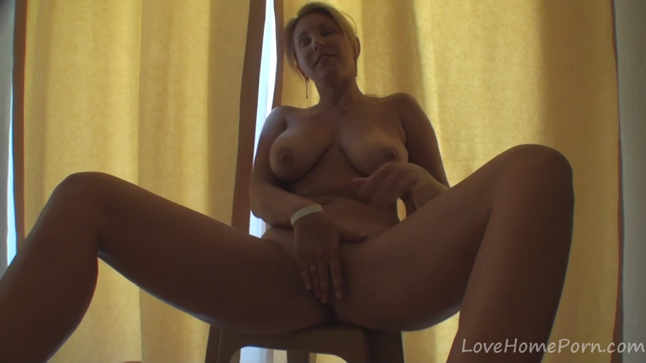 Hot blonde cutie masturbates and bends over Girls tite nipples sex video