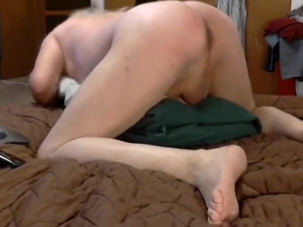 Fucking pussy toy with butt toy in my ass Chinese lady sex