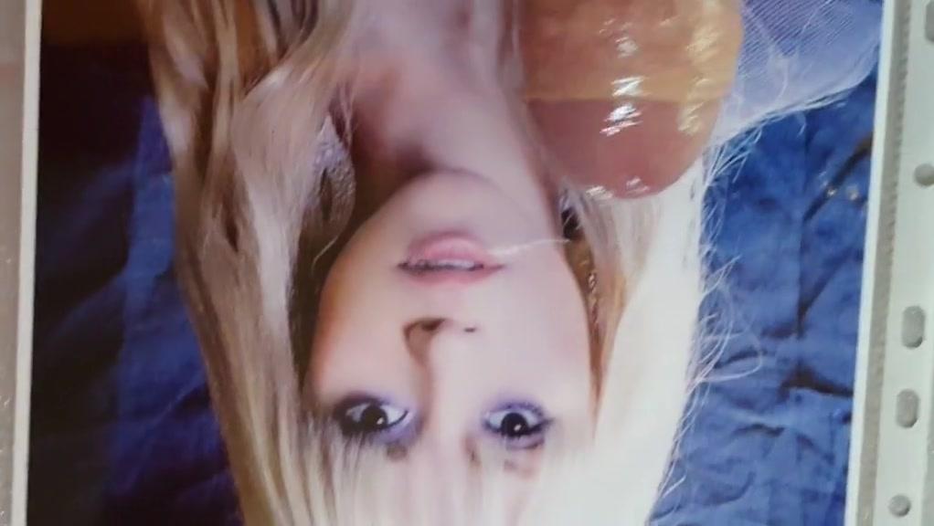 Shakira tribute 50s milf