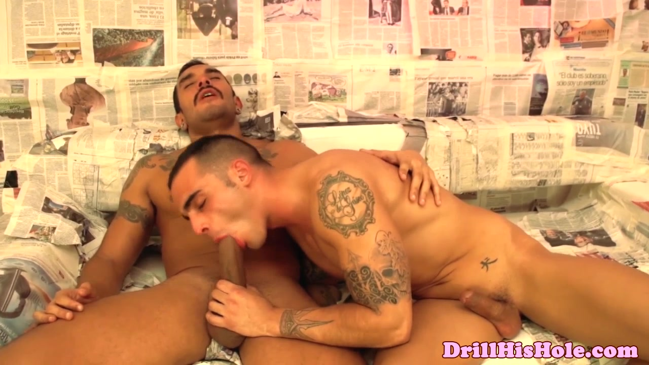 Gaysex muscle hunks shoot their loads Beautiful curvy asian