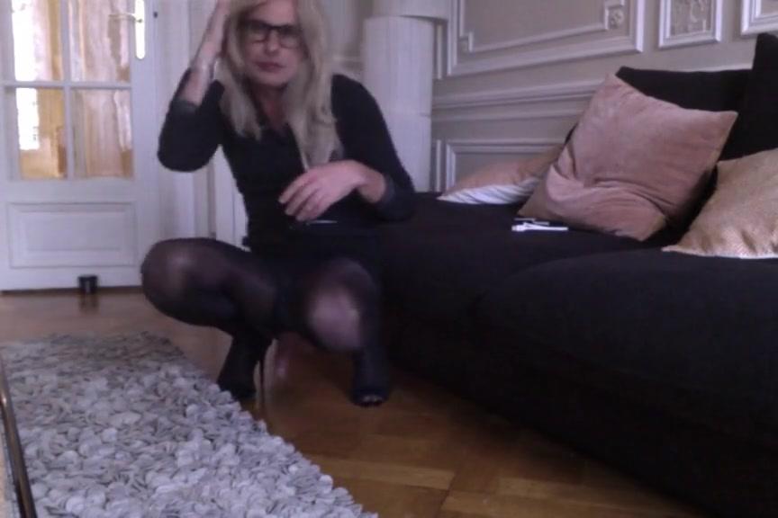 Travesti cd ts tv sissy exhib collants pantyhose free video lactating breast