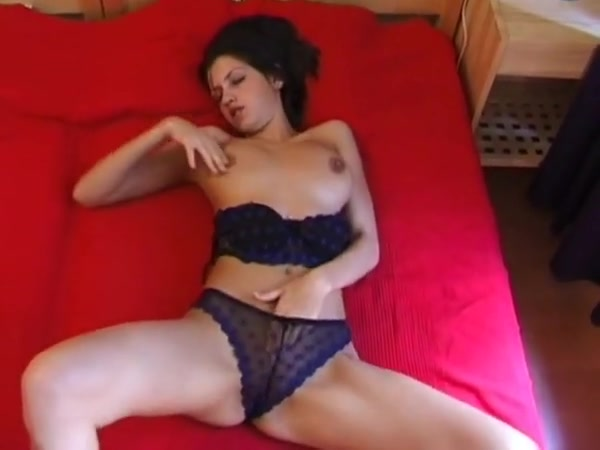 Jana - bed cutie Big fucking latina tit