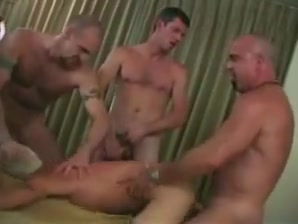 Amazing amateur gay movie with Bareback scenes porno grib c anal