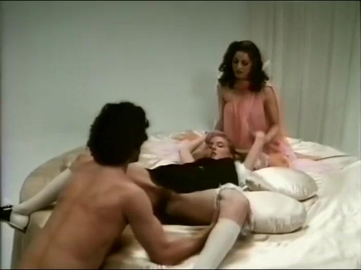 Jamie Gillis, Annette Haven, Monique Cardin, Sharon Kane, Susan Nero, Lysa Thatcher - For the Love of Pleasure (1979) Forced blowjob swallow