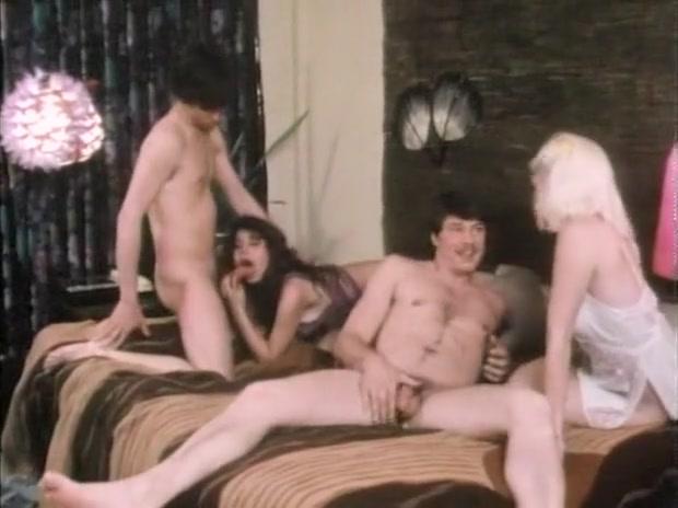 Athena Star, Danica Rhea, Ginger Lynn, Raven, Susan Hart - Slumber Party (1984) does benching help man boobs