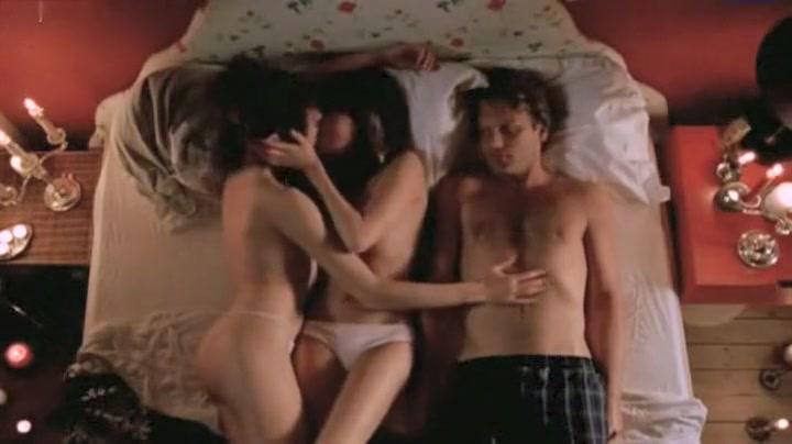 Nude Carice van Houten in De passievrucht (2003)