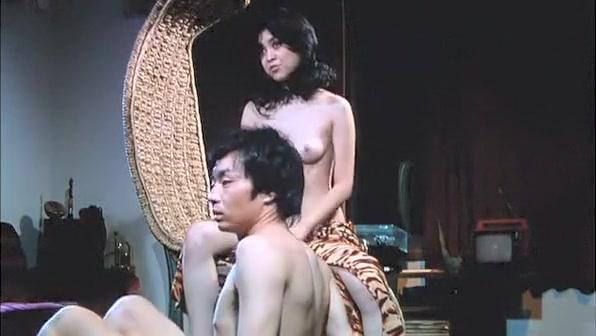 Marie Machida & Anji - Miyoko Asagaya kibun (2009) graphic pictures women giving birth